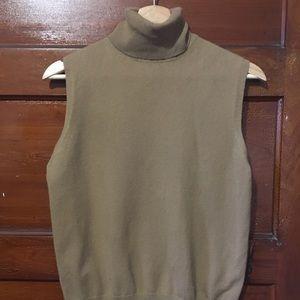 Sleeveless cashmere turtleneck